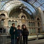 3 gare d'Anvers 11 mars 2007 dimanche, de gauche Hania, Aleksandra, Vanessa
